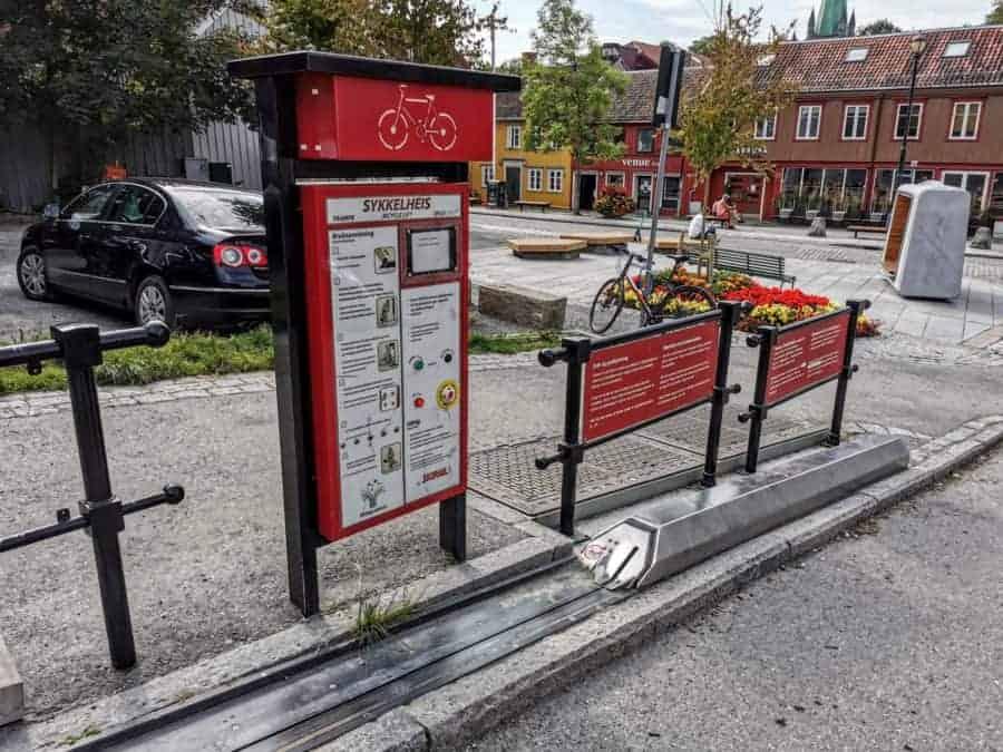 Sykkelheis. The Trondheim bicycle lift.